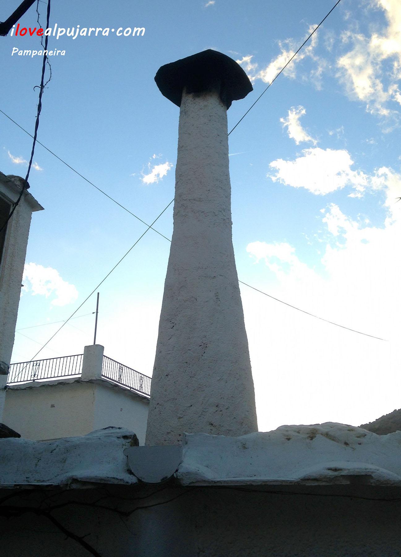 Chimenea en Pampaneira